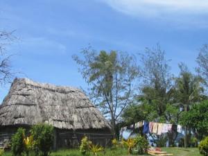 Hüttenleben im Dorf Nacula.