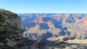 Farbenspiele im Canyon begleiten die untergehende Sonne.