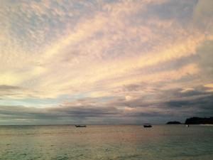 Einfach unendlich schön - die Fijis und ihre Sonnenuntergänge in Pastelltönen.