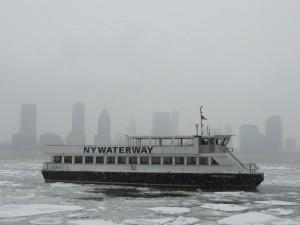 Eisschollen auf dem Hudson River.